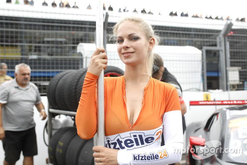 Chica de la parrilla del #33 Team ISR Audi R8 LMS: Filip Salaquarda, Frank Stippler