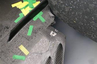 Detalle del fondo plano del Mercedes AMG F1 W10 de Lewis Hamilton