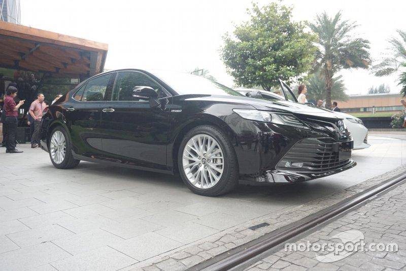 All New Toyota Camry Hybrid
