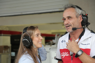 Paula Calderon with a Sauber team member