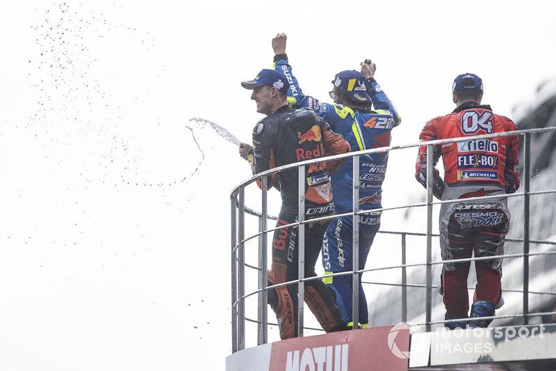 Подіум: переможець гонки Андреа Довіціозо, Ducati Team, друге місце Алекс Рінс, Team Suzuki MotoGP, третє місце Пол Еспаргаро, Red Bull KTM Factory Racing