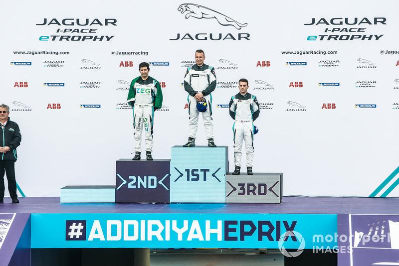 Ganador de la clase PRO, Simon Evans, Team Asia New Zealand PRO, segundo, Sérgio Jimenez, Jaguar Brazil Racing, tercero, Bryan Sellers, Rahal Letterman Lanigan Racing