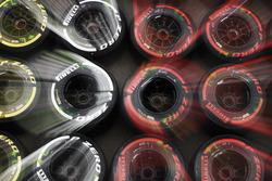Soft, Medium та SuperSoft шини Pirelli