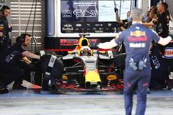 Daniel Ricciardo, Red Bull Racing, sort de son garage