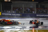 Fernando Alonso, McLaren MCL32 involved in the collision, Max Verstappen, Red Bull Racing RB13 anDrivers Kimi Raikkonen, Ferrari SF70H