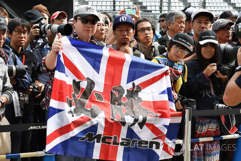 McLaren fans and flag