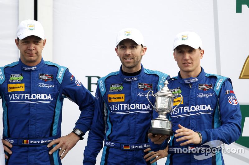 Podium: derde #90 VisitFlorida.com Racing Multimatic Riley LMP2: Marc Goossens, Renger van der Zande