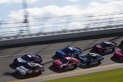 Brad Keselowski, Team Penske, Ford; Darrell Wallace Jr., Roush Fenway Racing, Ford