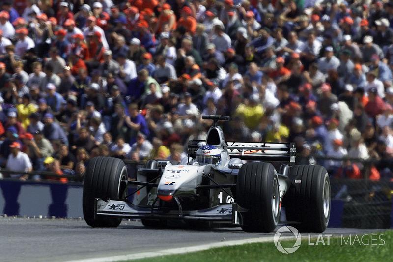 2000: Мика Хаккинен, McLaren MP4/13