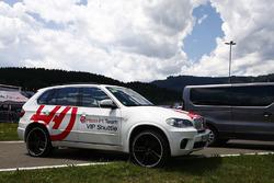 Teamfahrzeug: Haas F1 Team
