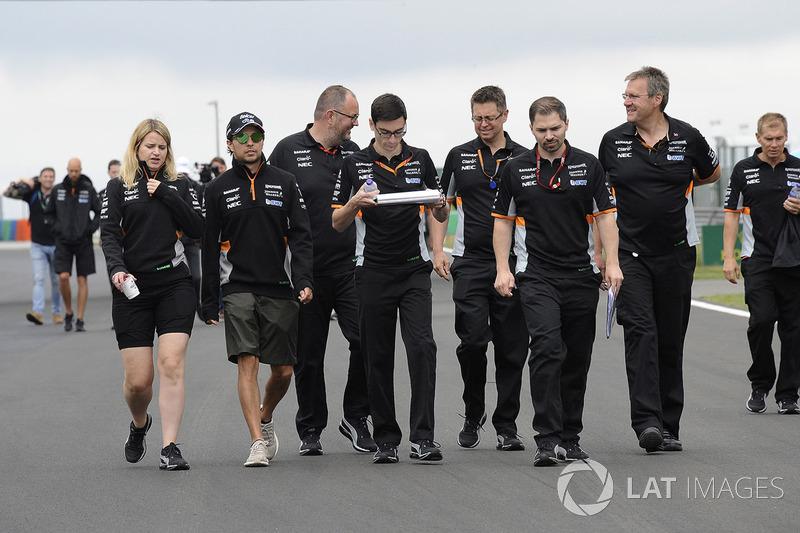 Sergio Perez, Force India, Bernie Collins, Force-India-Strategieingenieur