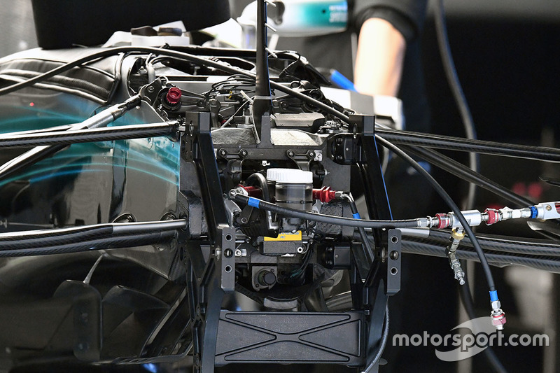 Mercedes W08 front detail