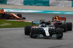 Валттері Боттас, Mercedes AMG F1 W08, Даніель РІккардо, Red Bull Racing RB13, Стоффель Вандорн, McLaren MCL32