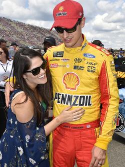 Joey Logano, Team Penske Ford, mit Ehefrau Brittany