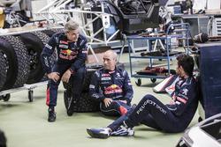 Гонщики Peugeot Sport Сириль Депре, Карлос Сайнс и Стефан Петерансель