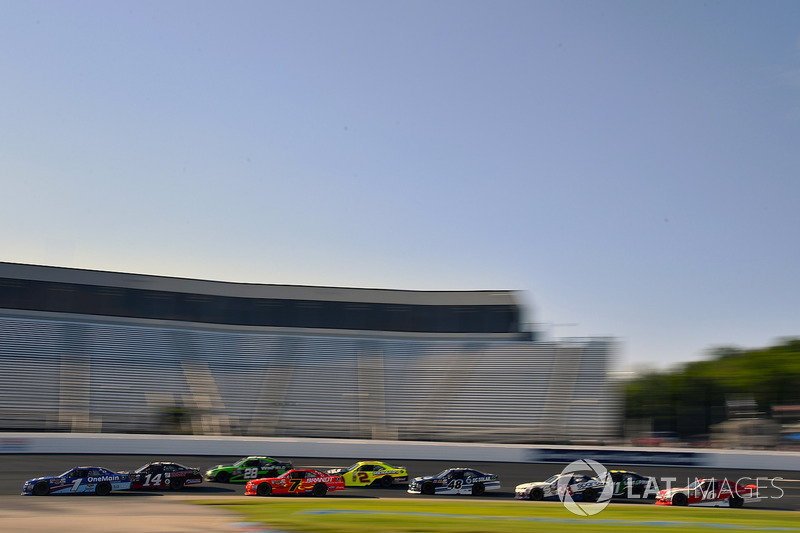 Elliott Sadler, JR Motorsports Chevrolet y Justin Allgaier, JR Motorsports Chevrolet