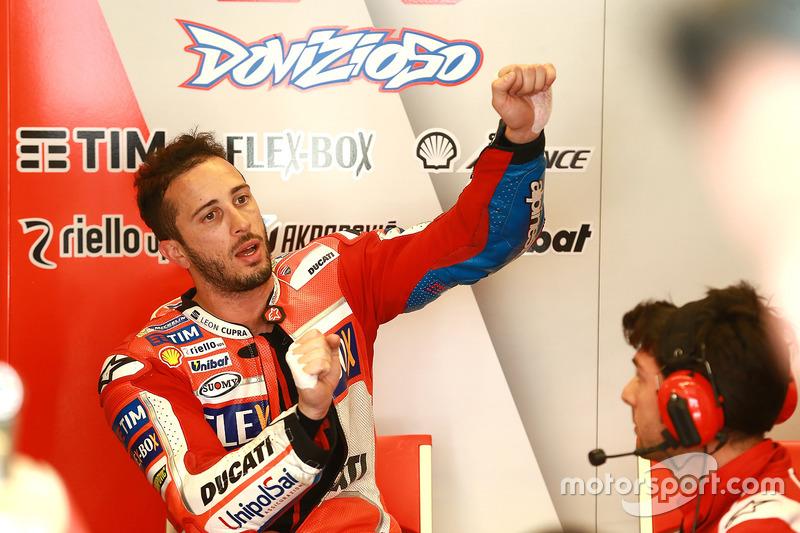 Andrea Dovizioso memperagakan gaya balap saat kualifikasi