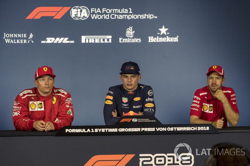 (Da sx a dx): Kimi Raikkonen, Ferrari, Max Verstappen, Red Bull Racing e Sebastian Vettel, Ferrari, nella conferenza stampa