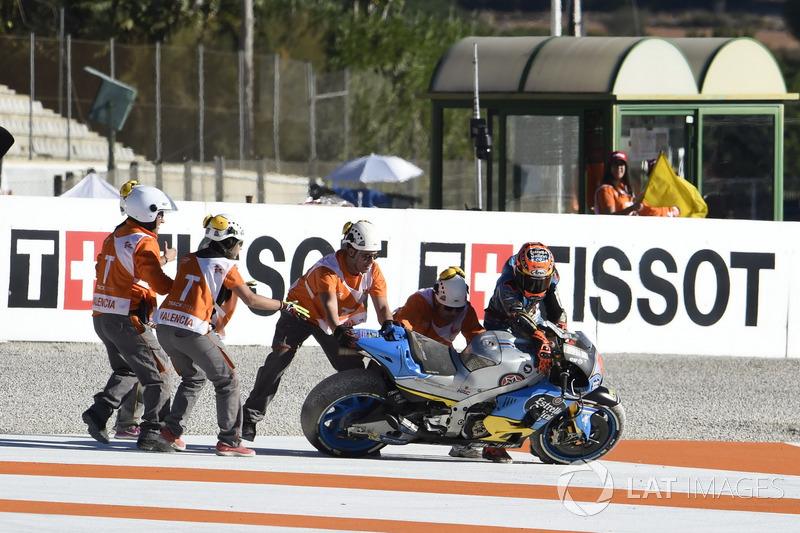 Tito Rabat, Estrella Galicia 0,0 Marc VDS, cayó de la moto después de su accidente