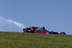 Brendon Hartley, Scuderia Toro Rosso STR12 avec une casse moteur
