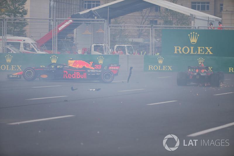 Insiden kecelakaan Max Verstappen, Red Bull Racing RB14, dan Daniel Ricciardo, Red Bull Racing RB14