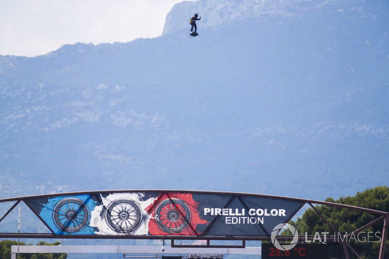 The Zapata Flyboard Air is demonstrated to the crowds prior to the start