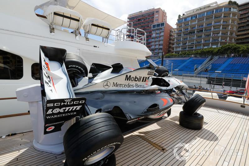 Автомобиль McLaren Мики Хаккинена