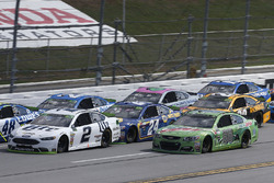Dale Earnhardt Jr., Hendrick Motorsports Chevrolet Brad Keselowski, Team Penske Ford