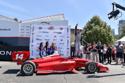 Переможець гонки Фелікс Росенквіст, Belardi Auto Racing