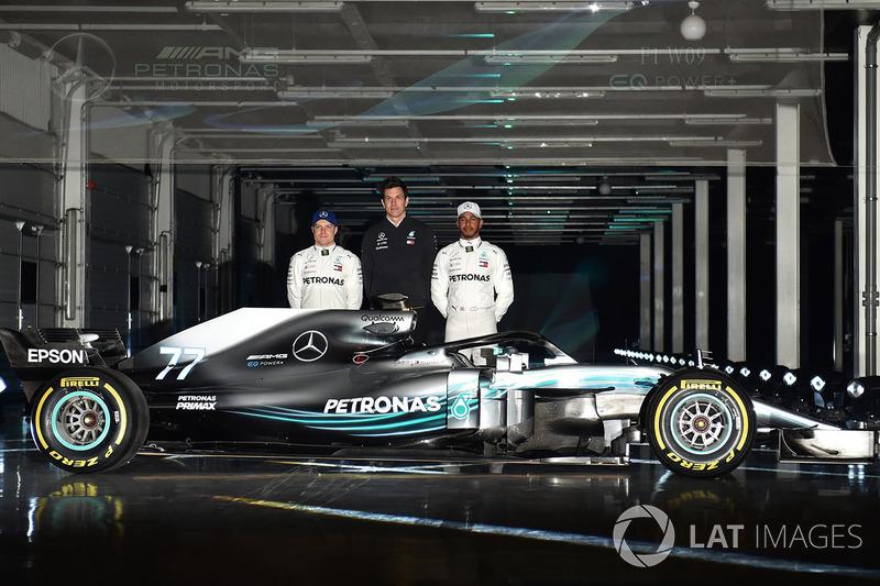Valtteri Bottas, Lewis Hamilton en Toto Wolff, Mercedes AMG F1