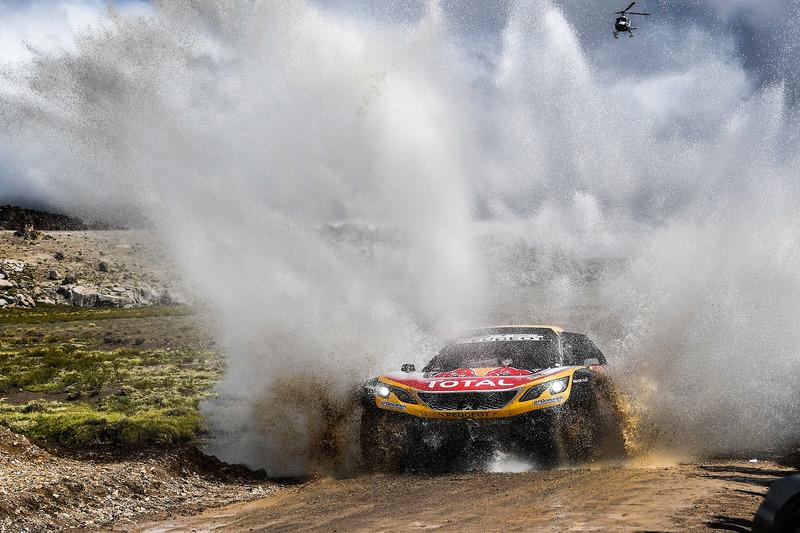 https://cdn-6.motorsport.com/images/mgl/24NBPnP6/s8/dakar-dakar-2018-300-peugeot-sport-peugeot-3008-dkr-stephane-peterhansel-jean-paul-cottret.jpg