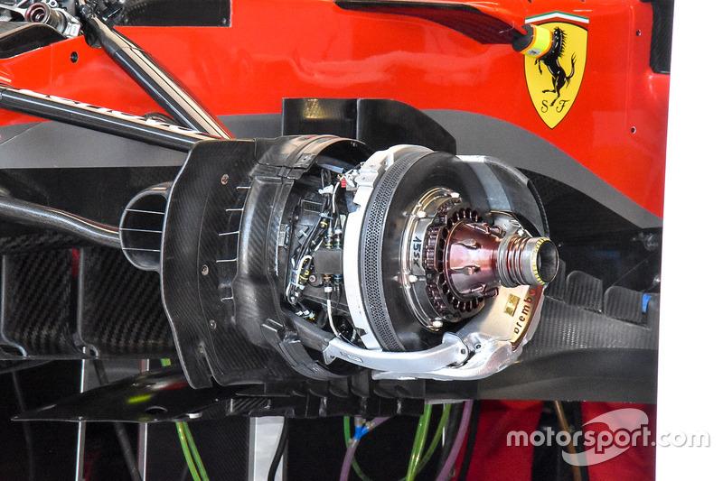 Rem depan dan pengait roda Ferrari SF71H