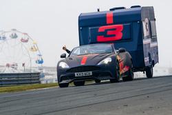 Max Verstappen avec une caravane