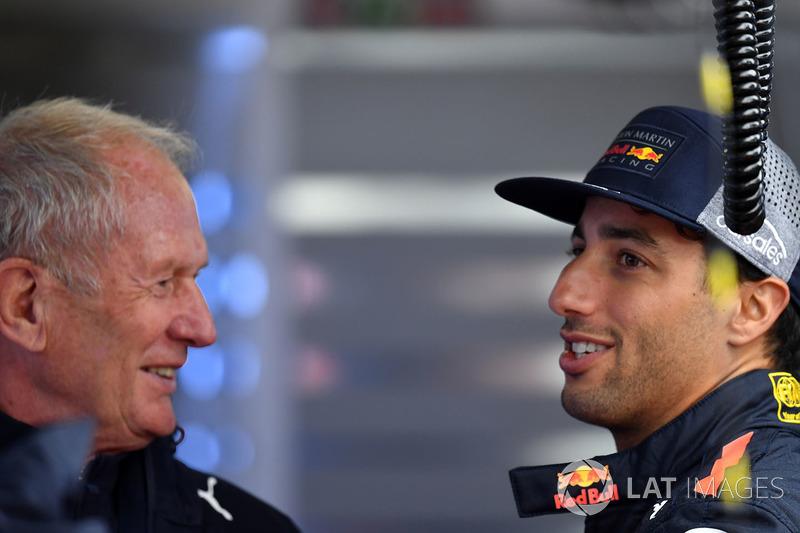 Dr Helmut Marko, Red Bull Motorsport Consultant and Daniel Ricciardo, Red Bull Racing
