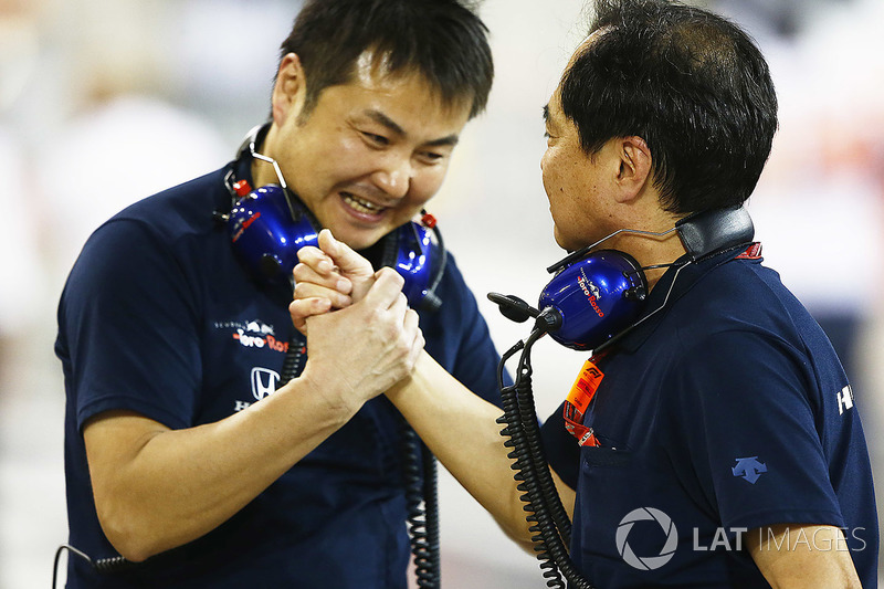 Honda team members celebrate the 4th place of Pierre Gasly, Toro Rosso