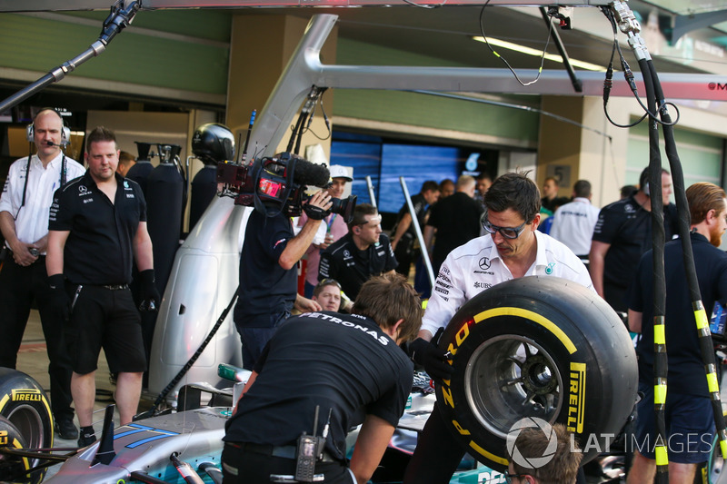 Toto Wolff, Direktör, Mercedes AMG F1, pit stop antrenmanında