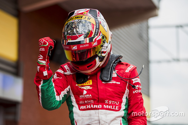 "<img src=""https://cdn-2.motorsport.com/static/img/cfp/0/0/0/100/142/s3/monaco-2.jpg"" alt="""" width=""20"" height=""12"" />Шарль Леклер, Prema Racing(Формула 2, чемпион, 282 очка, семь побед и три подиума)"