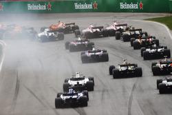Una vista trasera del inicio de la carrera