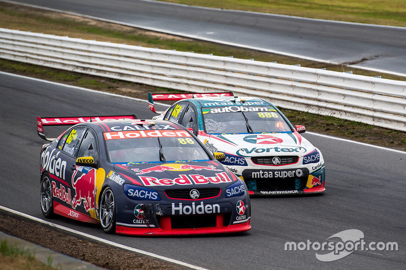 Jamie Whincup, Triple Eight Race Engineering, Holden; Craig Lowndes, Triple Eight Race Engineering, Holden