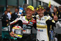 Il vincitore della gara Dominique Aegerter, Kiefer Racing, il secondo classificato Thomas Luthi, CarXpert Interwetten