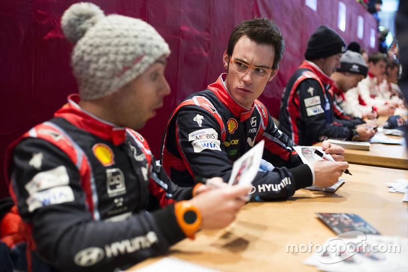 Thierry Neuville, Nicolas Gilsoul, Hyundai Motorsport,  firma de autógrafos