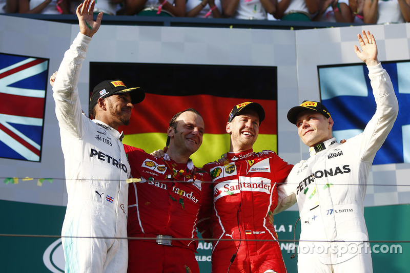 Sebastian Vettel, Ferrari; Lewis Hamilton, Mercedes AMG F1; Valtteri Bottas, Mercedes AMG F1; Luigi Fraboni, Ferrari