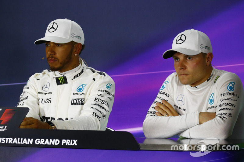Lewis Hamilton, Mercedes AMG F1; und Valtteri Bottas, Mercedes AMG F1