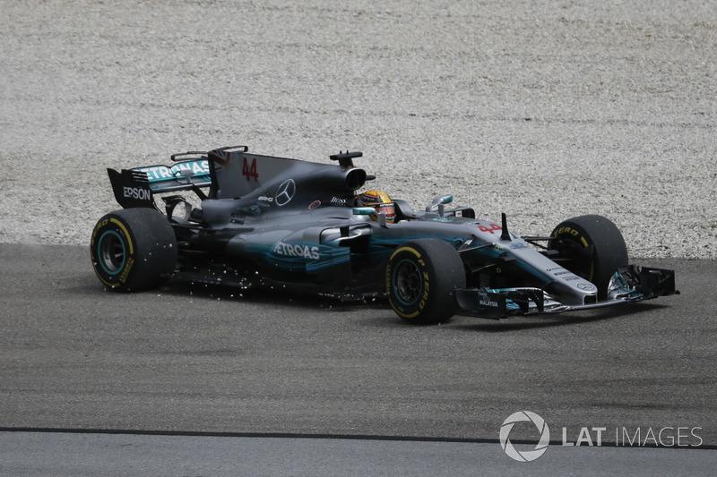 Lewis Hamilton, Mercedes-Benz F1 W08 runs wide through the gravel