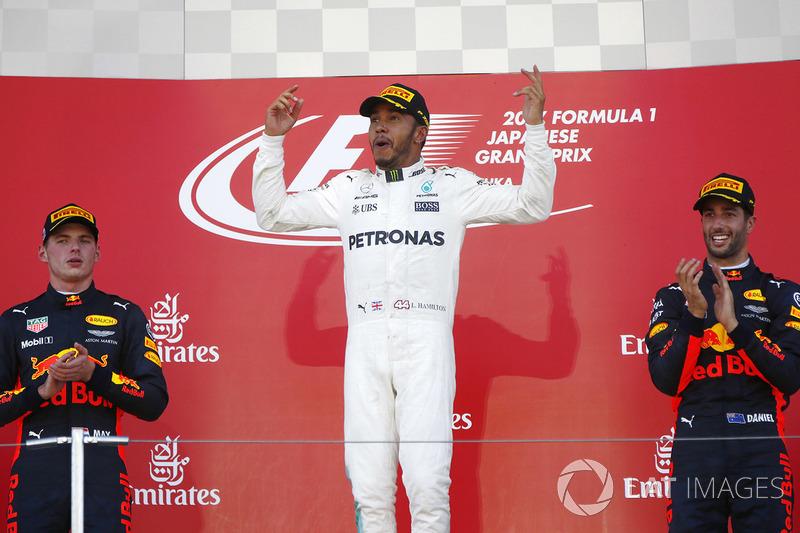 Podio: ganador de la carrera Lewis Hamilton, Mercedes AMG F1, segundo lugar Max Verstappen, Red Bull Racing, tercer lugar Daniel Ricciardo, Red Bull Racing