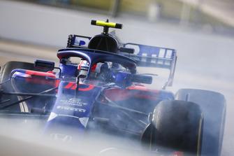 Pierre Gasly, Scuderia Toro Rosso STR13, testacoda