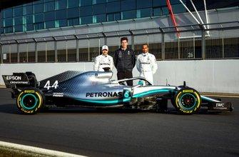 Valtteri Bottas, Toto Wolff, Lewis Hamilton with the Mercedes AMG F1 W10