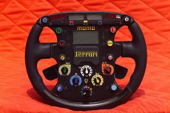 Il volante della Ferrari F2001