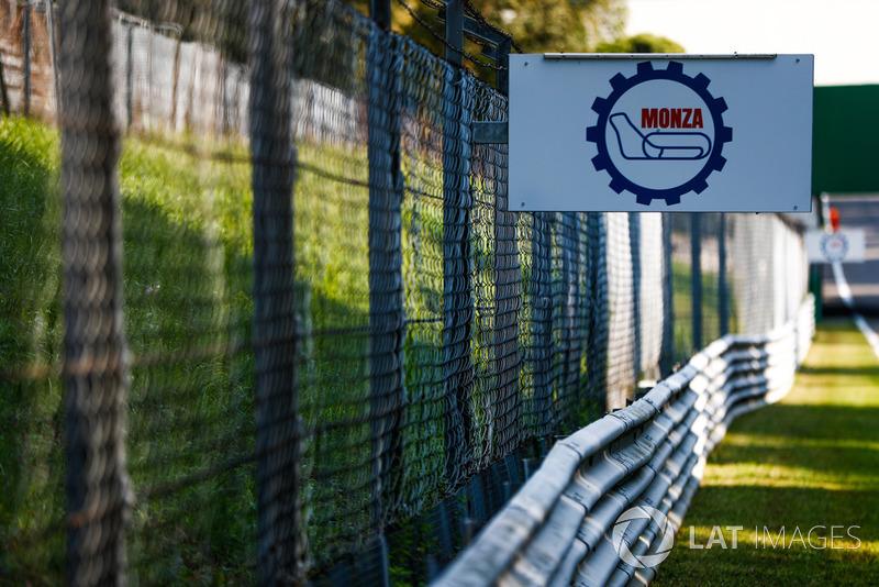 Monza circuit sign