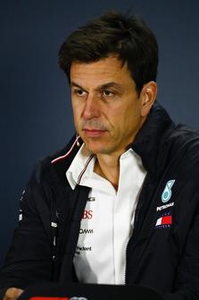 Toto Wolff, Mercedes AMG Director de F1 de Motorsport en una rueda de prensa